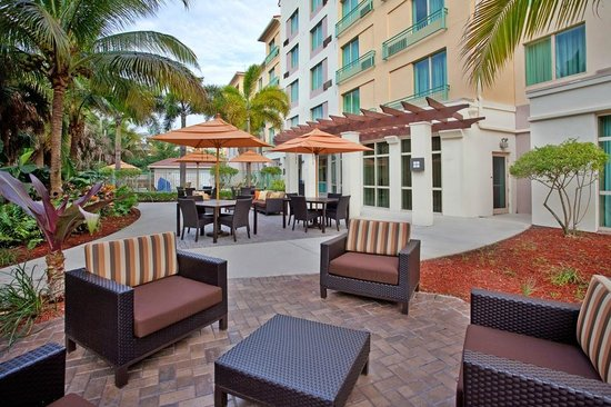 Courtyard Fort Lauderdale SW/Miramar: Outdoor Patio
