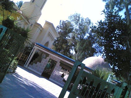 Al Muntaza Mosque