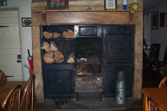 The Holly Bush Inn: Fire place