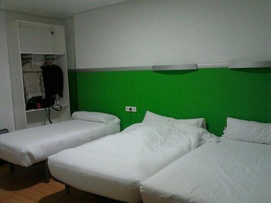 Hotel Centro Vitoria : habitaci?n de 3