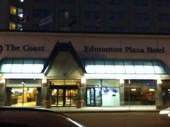 Coast Edmonton Plaza Hotel: front
