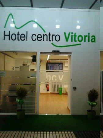 Hotel Centro Vitoria : entrada del hotel