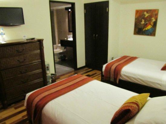Tierra Viva Cusco Plaza: Nice Double bed accomodation