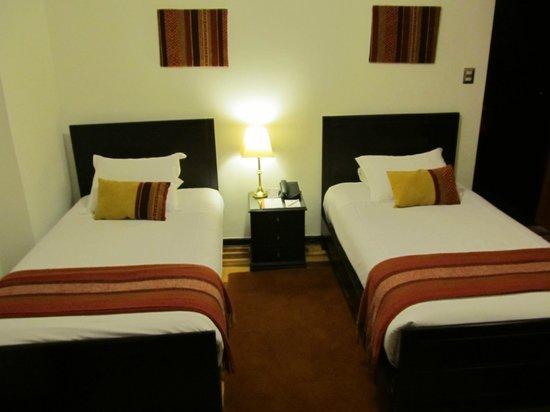 Tierra Viva Cusco Plaza: Double bed room