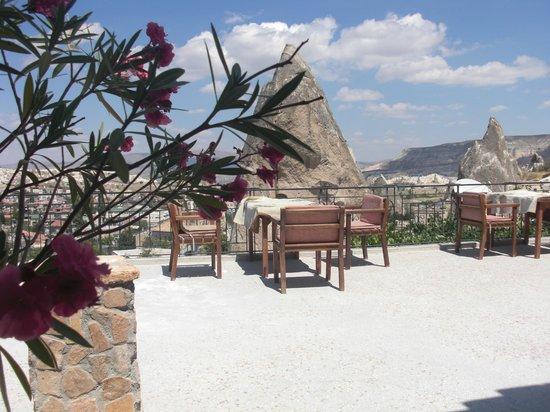 Sarihan Cave Hotel: terrace
