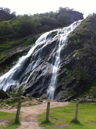 Portlaoise, Ireland: Powerscourt waterfall