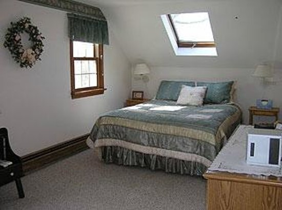 Family House Bed and Breakfast : Cozy - bedroom