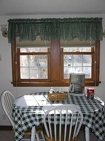 Family House Bed and Breakfast: Cozy - Kitchen
