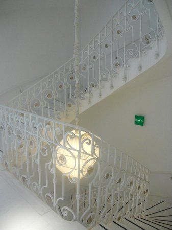 Boscolo Exedra Nice, Autograph Collection: White Staircase