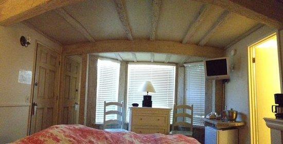 Monte Verde Inn: Ceiling of Room 8