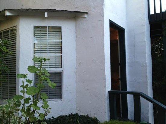 Monte Verde Inn: Entrance to Room 8