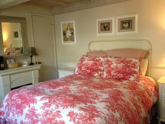 Monte Verde Inn: Queen Bed