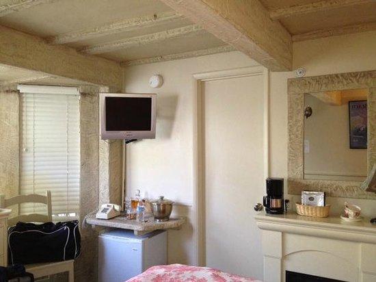 Monte Verde Inn: TV