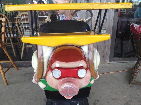 Pik N Pig: pig ride broken