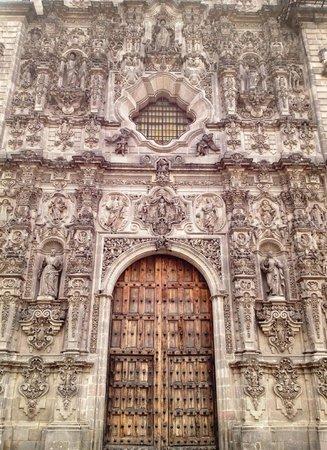 Tepotzotlan, México: Fachada detalle