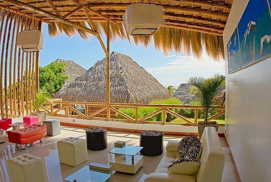 Vichayito Bungalows & Carpas by Aranwa: Lobby del hotel.