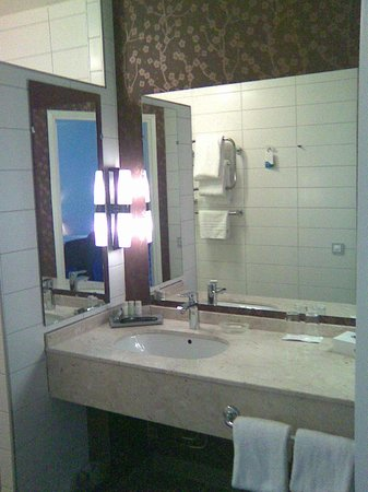 Radisson Blu Hotel, Malmo: Wachbeckenbereich