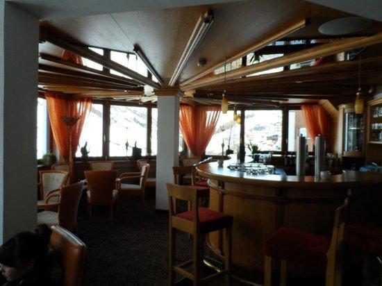 Hotel Madeleine: The Bar