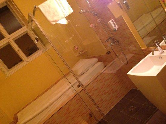 Hotel 38 : Room No.1