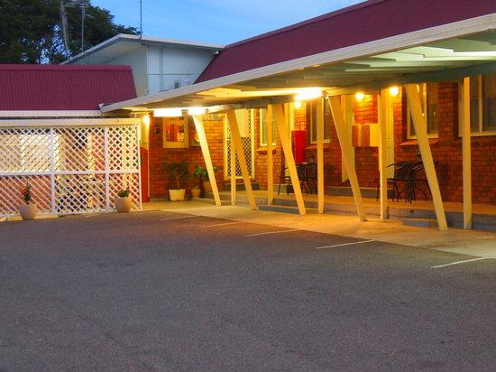 Port Macquarie Motel: Motel car park