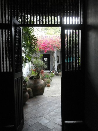 Casa Felipe Flores: Your view as you enter the house!