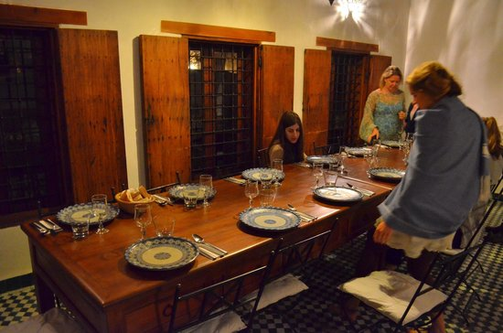 Dar Seffarine: Dinner being set up at Dar Seffarine