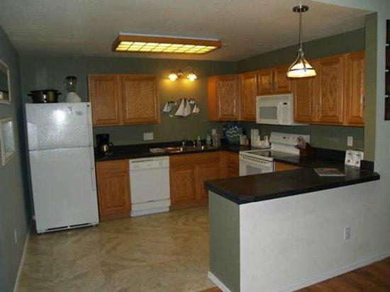Kapilana Resort: Fully equipped 2 Bed condo kitchen