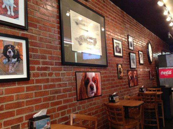 Haute Dogs & Fries: wall