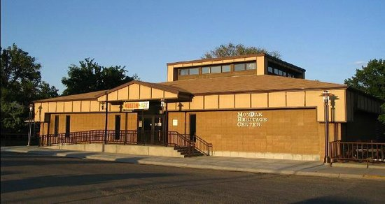 Sidney, MT: MonDak Heritage Center