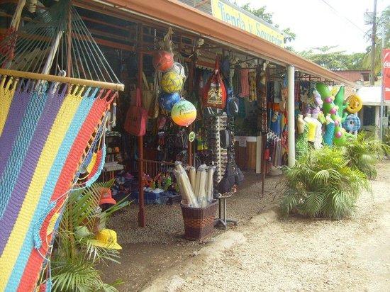 Brasilito, Costa Rica: Souvenier Shops