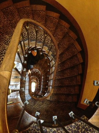 L'Hotel: Stairs