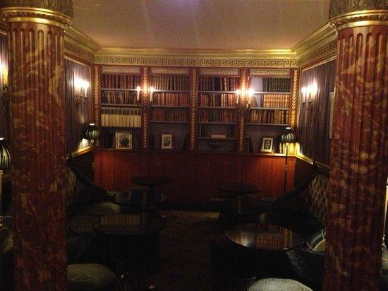 L'Hotel: Lobby Bar