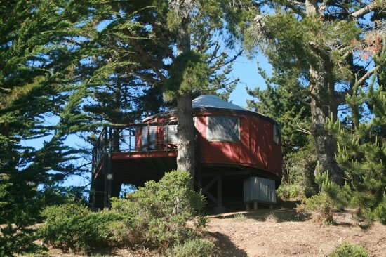 Treebones Resort : I think this is Yurt 9, but I'm not sure. Either way, this one had a spectacular view of the oce