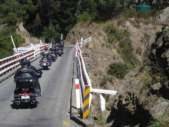 Harley Davidson Chauffeured Passenger Tour to Akaroa Peninsula Foto