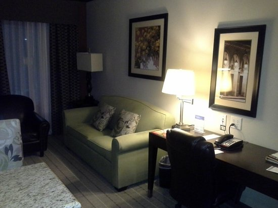 StayBridge Suites DFW Airport North : Spacious and comfortable sitting room