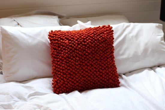 Tuck Inn Yarra Valley: Pillows