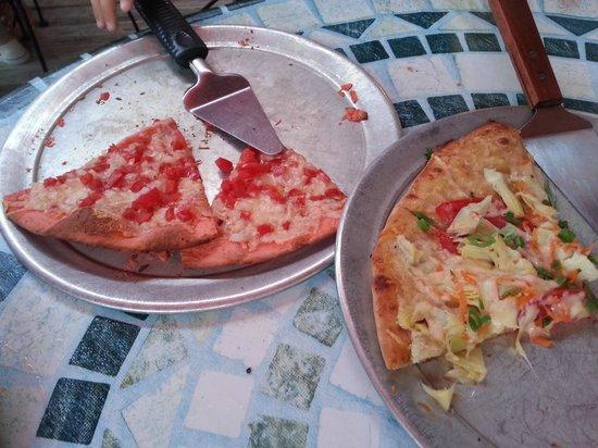 Scamotz Tomato Pies: Mmmm, pizza!