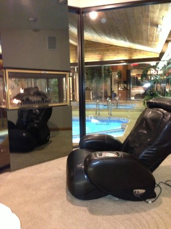 Sybaris Frankfort: Massage Chair, Fireplace