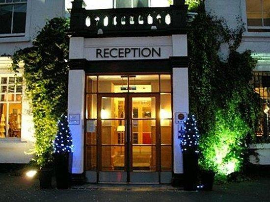 Castlecary House Hotel: External