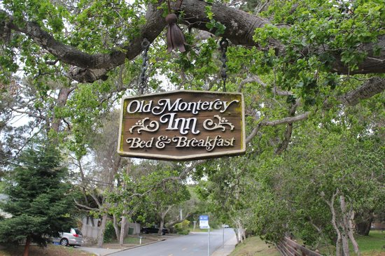 Old Monterey Inn: Sign