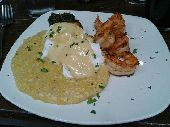 Greenhouse Grille: Blackened Shrimp and Grits