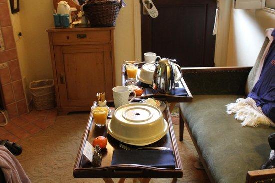 Old Monterey Inn: Breakfast