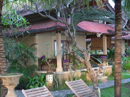Apa Kabar Villas : Our villa