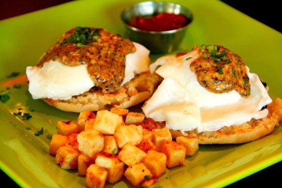 Yummy Cafe: Eggs Benedict