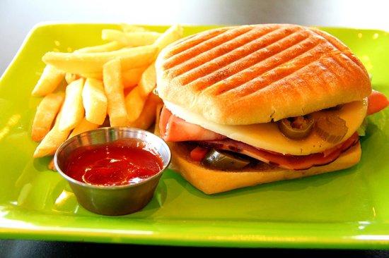 Yummy Cafe: Muffuletta Panini
