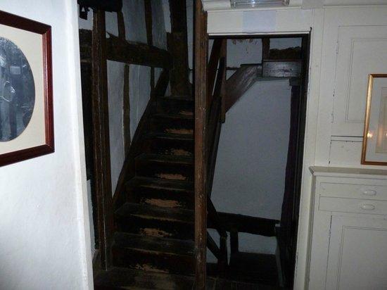 Haunted, 35 Stonegate: Stairway, middle floor