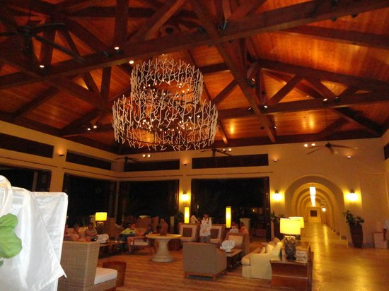 Santa Barbara Beach & Golf Resort, Curacao: The lobby