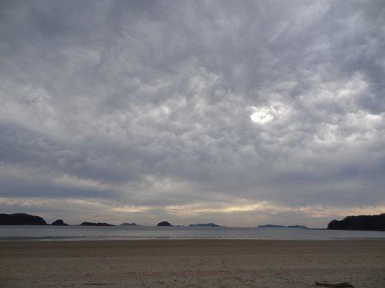 Sapsido Island: Deserted beach