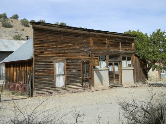 Winston, NM: Old Saloon supposedly being restored