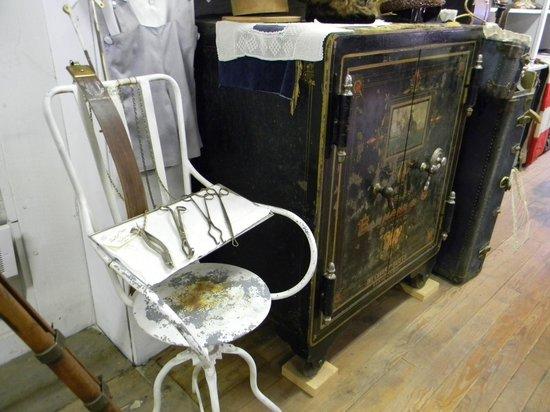 Chloride : Pioneer Store Museum